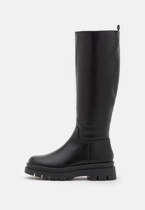 MACKENZIE COMBAT TALL GUSSET BOOT - Platform boots - black