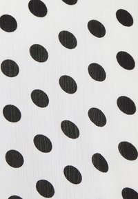 Glamorous Bloom - DRESS WITH BELT MATERNITY - Długa sukienka - white/black - 2