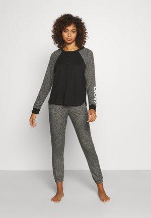Pyjamas - black heather