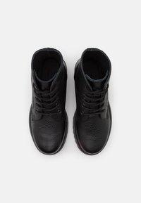 DECHASE - KEFF UNISEX - Lace-up ankle boots - black - 3