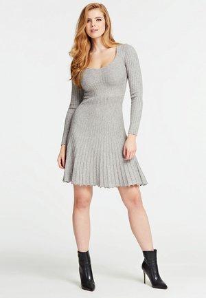 STRICKKLEID PLISSEE-OPTIK - Jumper dress - hellgrau