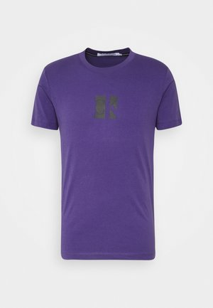 SMALL CENTER BOX TEE - Camiseta estampada - gentian violet