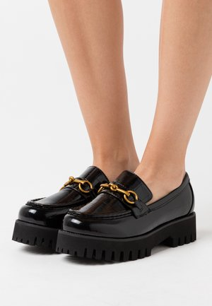 WIDE FIT EMPIRE - Loaferit/pistokkaat - black