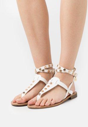 Sandály s odděleným palcem - soft bianco
