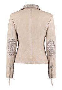 DNR Jackets - MIT STRICKELEMENTEN UND KONTRASTVERARBEITUNG - Leather jacket - nude - 1