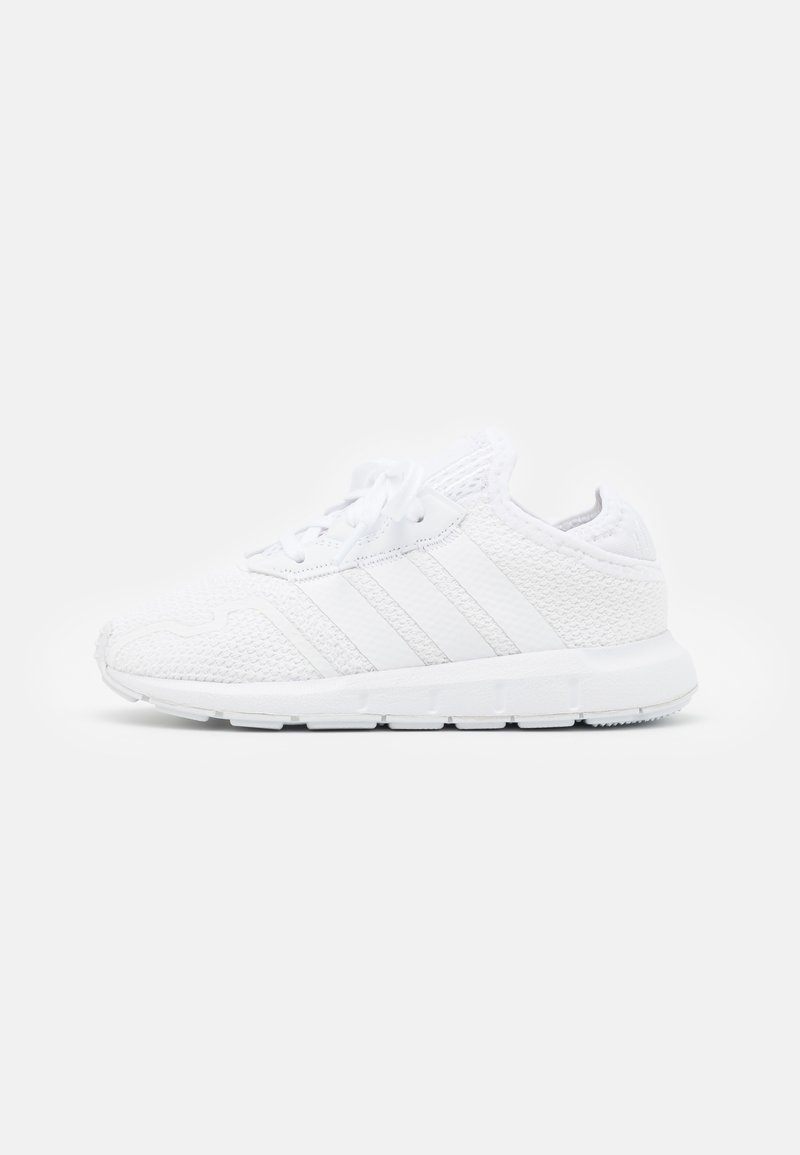 adidas Originals - SWIFT RUN UNISEX - Trainers - footwear white