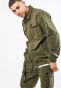 Ed Hardy - URBAN-TIGER NYLON POLY STRETCH SHACKET - Summer jacket - khaki - 0