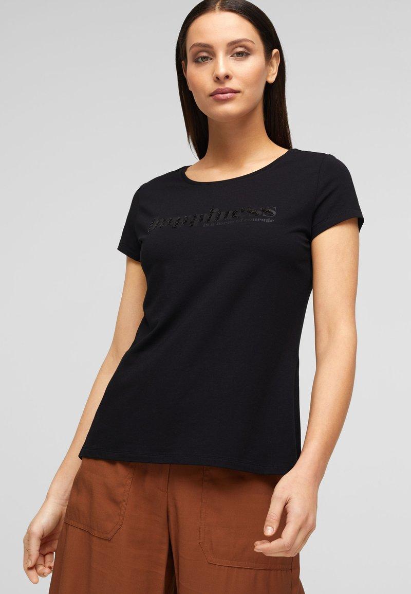 s.Oliver BLACK LABEL - Print T-shirt - black placed wording