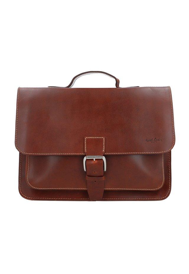 BJARNE R - Briefcase - walnut