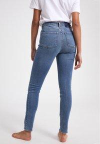 ARMEDANGELS - TILLAA CIRCULAR - Jeans Skinny Fit - light blue - 2