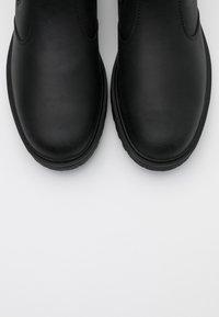 Blauer - GUANTAMO - Classic ankle boots - black - 5