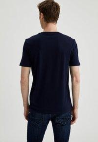 DeFacto - Basic T-shirt - navy - 2