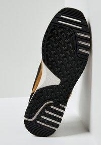 Pepe Jeans - TINKER PRO RACER 0.4 - Šněrovací boty - Nero - 4