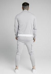 SIKSILK - DUAL STRIPE PANT - Teplákové kalhoty - grey/white - 2