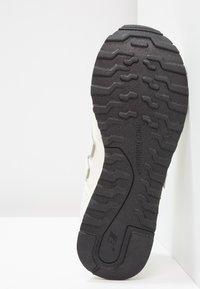 New Balance - GW500 - Sneaker low - white/gold - 5