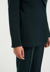 WE Fashion - REGULAR FIT - Blazer - moss green - 4