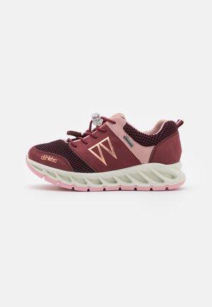Sneakers laag - vino/bordo