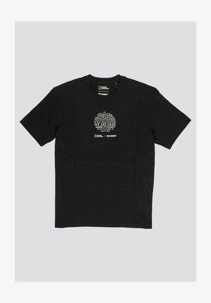 National Geographic Manifesto  - Print T-shirt - flint black