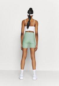 Cotton On Body - REVERSIBLE BIKE SHORT - Leggings - mint chip - 2