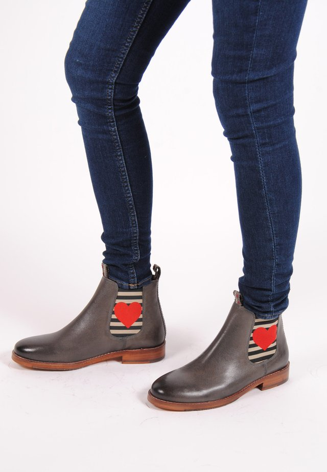 CHELSEA BOOT JULIA MIT HERZ - Classic ankle boots - grey