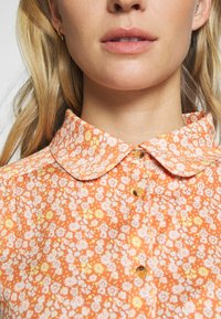 esmé studios - ZOEY BLOUSE - Button-down blouse - carnelian - 5