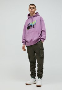 PULL&BEAR - Cargo trousers - khaki - 1