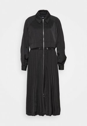 TECHNICAL PLEATED - Trench - black
