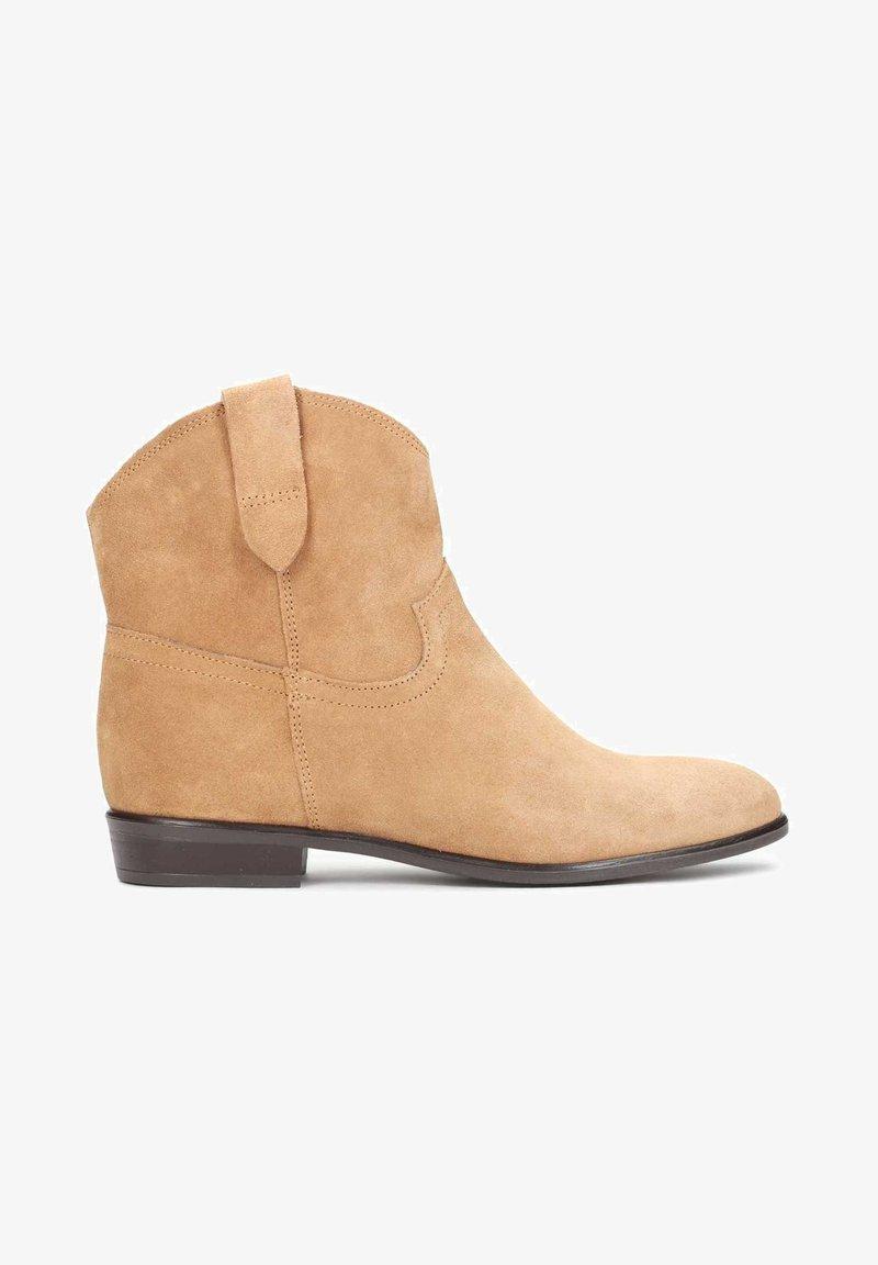 Kazar - SIMONETTA - Cowboy/biker ankle boot - orange