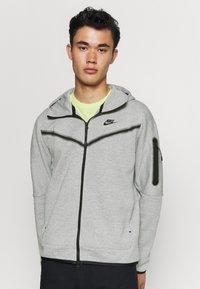 Nike Sportswear - Felpa con zip - dk grey heather/black - 0