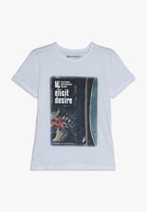 ELICIT DESIR - T-shirt z nadrukiem - schneeweiß reactive