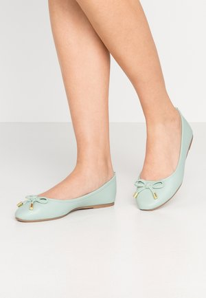 Ballet pumps - green