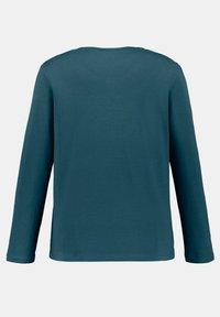 Ulla Popken - T-shirt à manches longues - tannengrün - 2