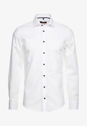 SPREAD KENT PATCH SLIM FIT - Formal shirt - weiß