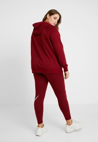 Nike Sportswear - HOODY - Hoodie - team red/white - 2