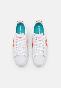 Converse - PRO COLOR POP UNISEX - Zapatillas - white/bright poppy - 3