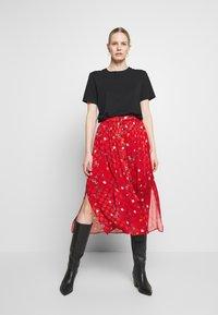 NAF NAF - LAMOUROUGE - A-snit nederdel/ A-formede nederdele - lamour lipstick - 1