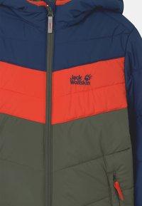 Jack Wolfskin - THREE HILLS UNISEX - Winter jacket - thyme green - 2