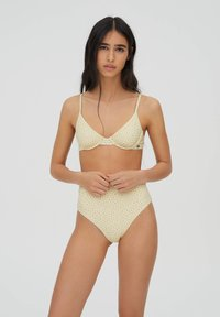 PULL&BEAR - BLUMENPRINT - Bikini top - yellow - 0