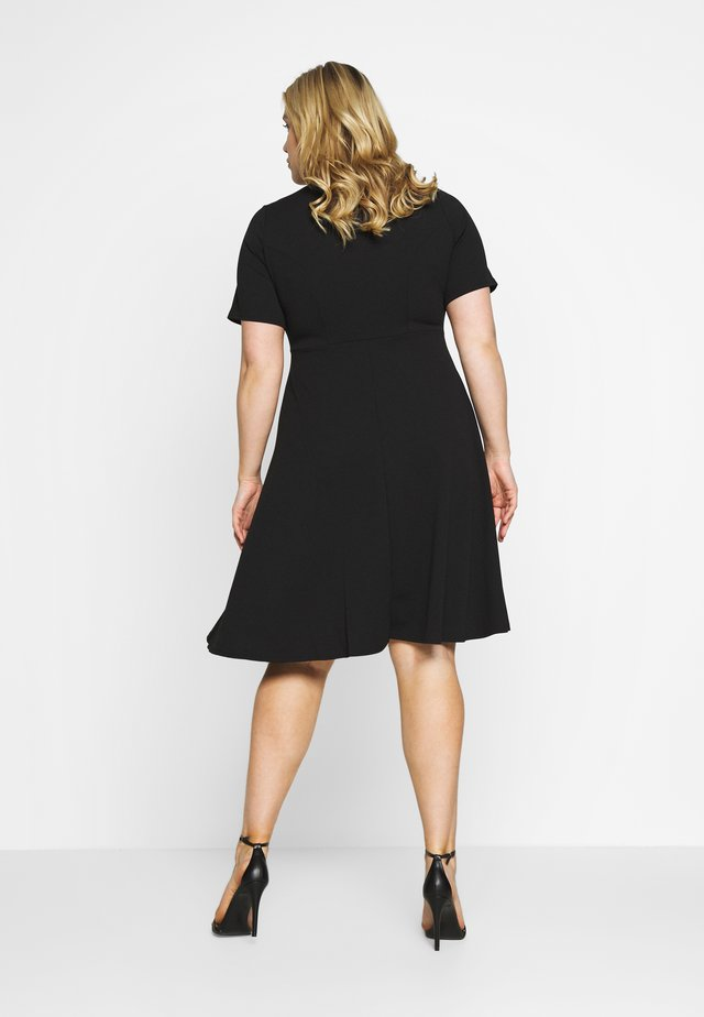 V NECK DRESS - Robe en jersey - black
