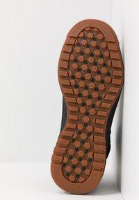 Vans - ULTRARANGE MTE - Sneakersy wysokie - black - 4