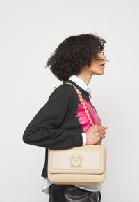 Love Moschino - SCARFED SHOULDER BAG - Across body bag - naturale/nude - 0