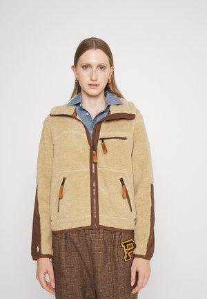 Light jacket - classic camel