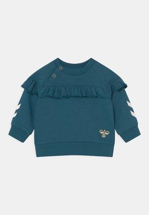 BUENA - Sweater - blue coral