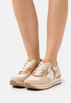 Sneakers laag - ivory/cara