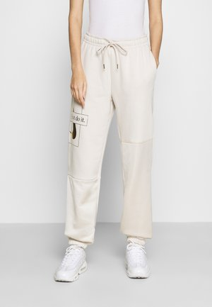 PANT - Tracksuit bottoms - orewood /oatmeal/ gold