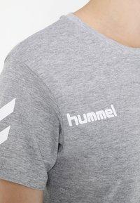 Hummel - GO WOMAN - T-shirts med print - grey melange - 5
