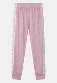 Nike Sportswear - SET - Tracksuit - arctic pink/white - 2
