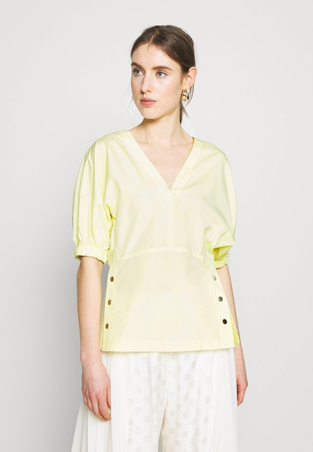 POPLIN TOP  SIDE STUDS - Pusero - pale yellow