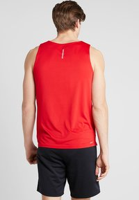 New Balance - ACCELERATE SINGLET - Sports shirt - teamred - 3