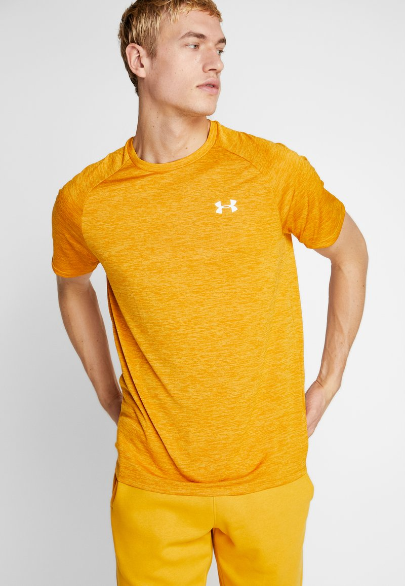 Under Armour - HEATGEAR TECH  - Camiseta estampada - golden yellow/white